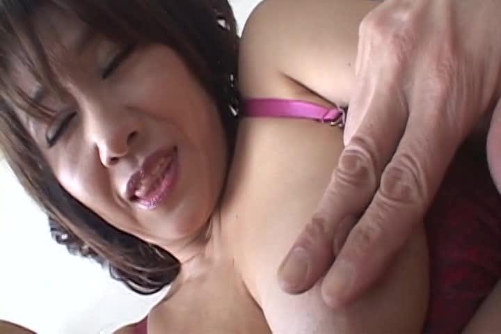 ムチムチの熟女の大量顔射無料おばさん動画。ムチムチな巨乳五十路熟女がハ...